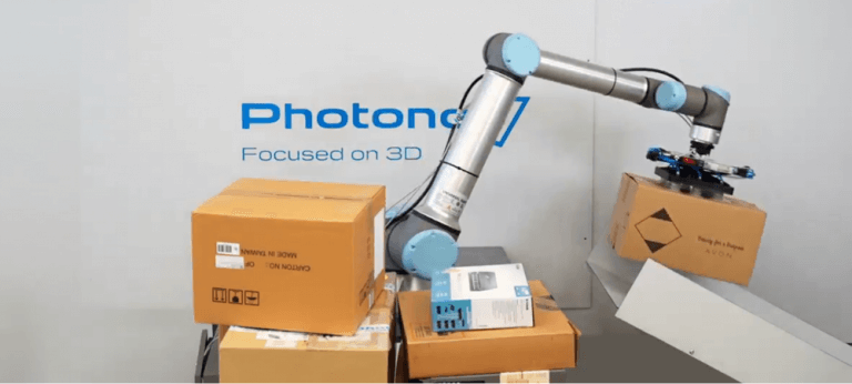 Photoneo Universal Depalletizer joins the UR+ applications kit